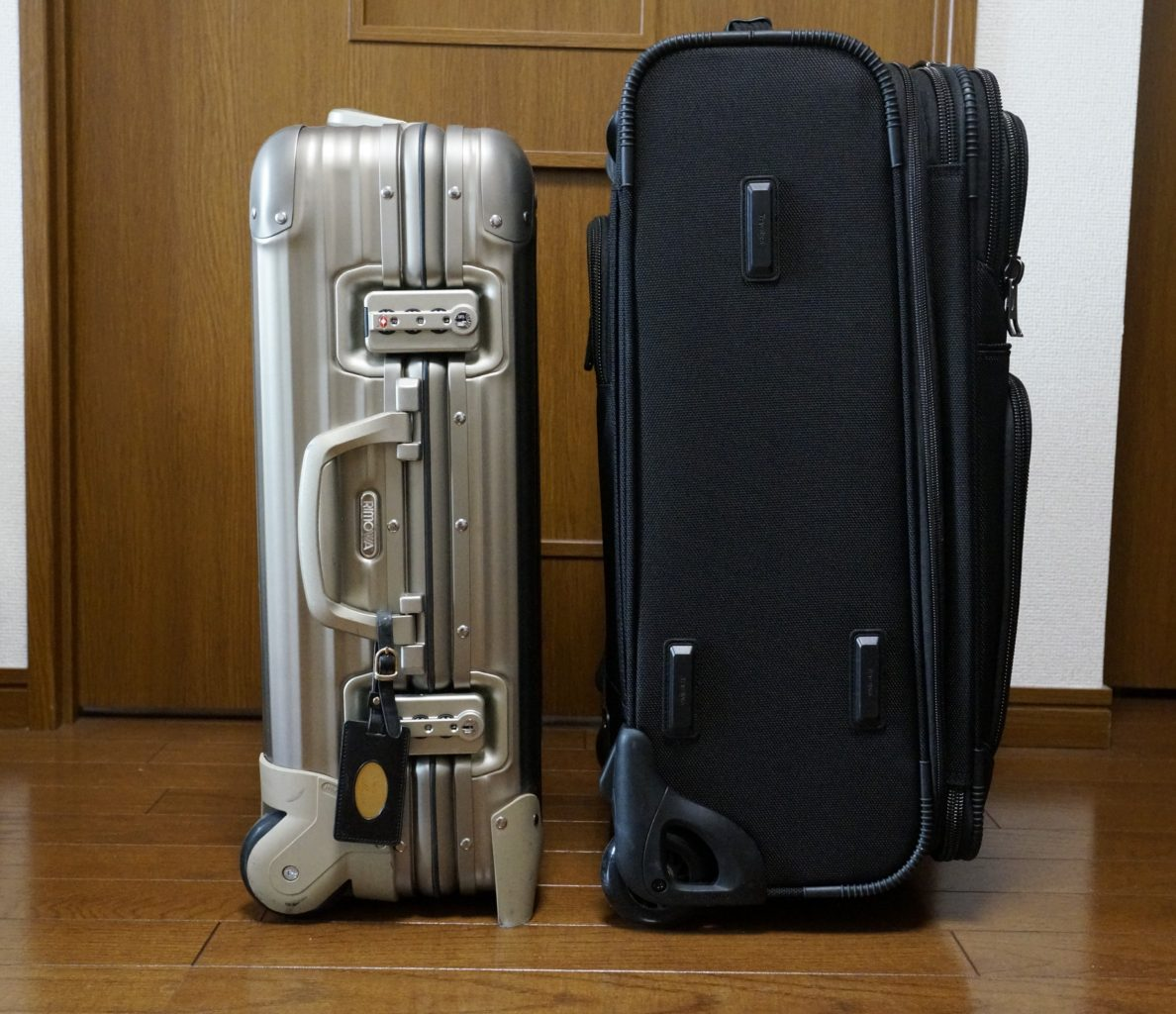 rimowa topas titanium cabin trolley a review. Black Bedroom Furniture Sets. Home Design Ideas