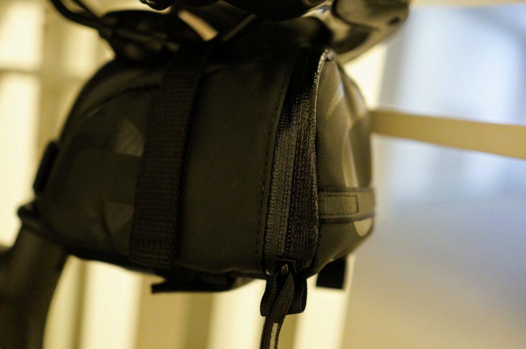 iphone 7 quad lock saddle bag